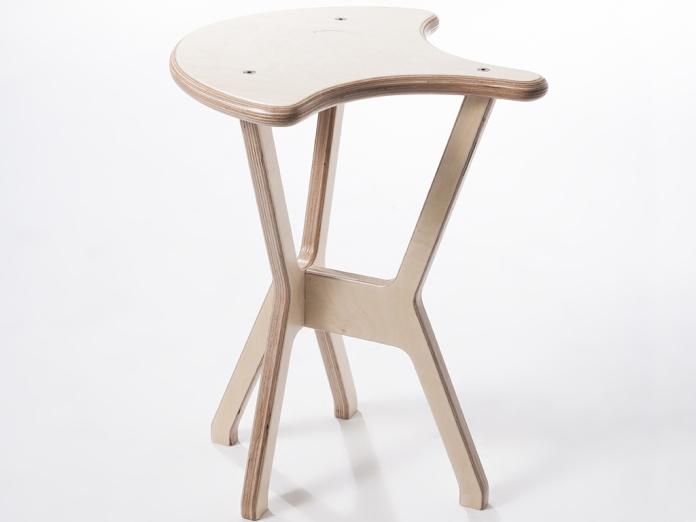 legno-autoproduzione-Sellino-sgabello-prodotto-legno-minimal-multistrato-bibidesign
